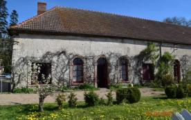 """Gite  plain pied 5 pers""""La Maison du Jardin"""" dans une propriété authentique surplombant..."""