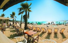 Au bord d'une magnifique plage, dans le golfe de Saint-Tropez!