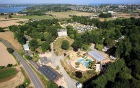 Camping Domaine de la Ville Huchet, 106 emplacements, 92 locatifs