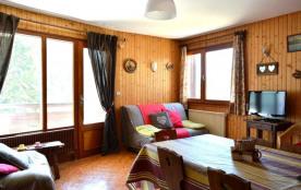 Appartement 3 pièces de 51 m² environ pour 6 personnes, la résidence Les Gentianes est située dan...