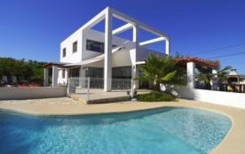 Villa OL Atho - Superbe villa moderne avec piscine privée à Calpe, situé à seulement 900 mètres d...