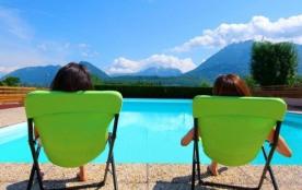 Le Pré du Lac situé à Saint Jorioz, à moins de 400 m des rives du Lac d'Annecy et à 10 km de la p...