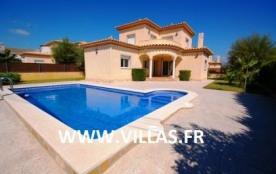 Villa VN Nava 4 - Belle villa moderne et confortable dotée de 4 chambres à coucher.