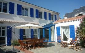 Villa - St Gilles Croix de Vie - 25 m de La Plage Boisvinet -vue sur entrée port
