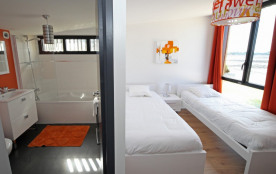 chambre 2 lits 90 étage avec s.eau attenante