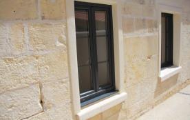 Maison de caractère en pierres de Crazannes dans le centre ville Rochefortais