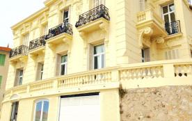 la maison appartement du 1er étage , terrasse