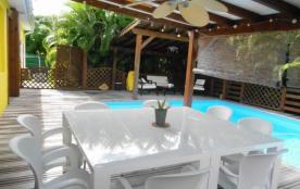 Magnifique villa de 280m2 avec piscine, 6 chbres,  à 1800 m de la mer