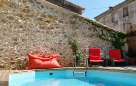 Piscine privative 5m, terrasses ensoleillées et un patio ombragé, 2 pièces à vivre, animaux acceptés