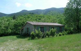 A proximité de Valgorge au pied du massif du Tanargue, en bordure de rivière, gîte indépendant en...