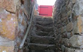 escalier descendant à la grève