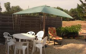 Salon de jardin + 2 chaises longues