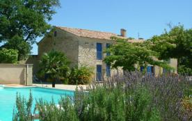 Mas provençal avec piscine privée