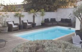 Villa avec piscine 7 personnes.