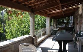 Chaulet est une maison de vacances authentique, située à Casteljau (Ardèche) et se trouve dans un...
