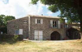 Gîtes de France situé en pleine nature, sur le plateau volcanique du Coiron, entre la vallée de P...