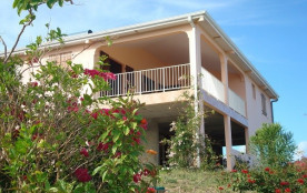Villa vue mer exceptionnelle ! Fleurie, calme et reposante (3 chambres)
