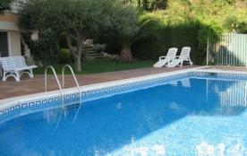 Bel appartement d'une capacité pour 4 personnes, bien meublé et moderne, terrasse couverte avec barbecue et magnifiqu...