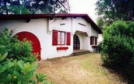 FR-1-327-73 - Villa ancienne avec jardin boisé, proche du lac.