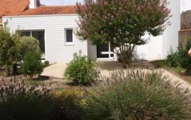 FR-1-197-255 - Beau jardin ensoleillé pour cette charmante maison