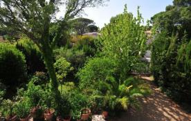 Gîtes de France Le Gîte Aurivel Bonnier. Dans quartier résidentiel au calme, à 3 km du centre-vil...