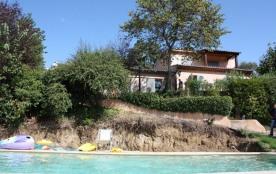 Artcheda est une maison de vacances très confortable avec une situation intéressante à seulement ...