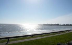 Location également HORS-SAISON - Pour 2/4 personnes - Vue et Accès direct à la mer et à 1,5 km de...