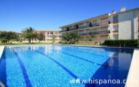 Nous proposons plusieurs appartements, dans cette résidence fermée de 2étages, située à 500 m de ...