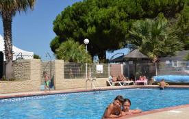 Mobil-home 29 m² (2 chambres) - Un camping familial**** à 1000 m de la mer du Cap d'Agde et du Grau d'Agde proche de ...