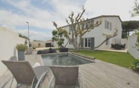 Villa avec piscine 7 personnes