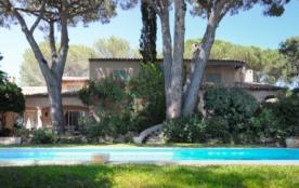 Superbe villa, accès direct plages de Saint-Tropez