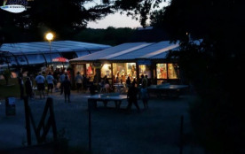 Camping L'Étang du Pays Blanc - Mobilhome CONFORT (2 chambres) avec terrasse couverte (TV, barbec...