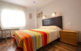 Villa tranquille à Costa Brava pour 8-9 personnes, à seulement 6km des plages