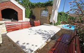 Appartement pour 2 personnes à Trogir/Okrug Gornji