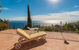 Villa avec magnifique vue mer et piscine pour 8-10 personnes, 300 m2 surface, très calme