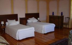 Chambre Martagon - 2 personnes (twin) - Vous apprécierez la tranquillité et la vue dominante sur ...