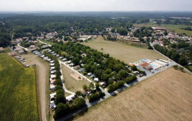 Camping Les Vignes, 48 emplacements, 111 locatifs
