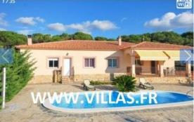 Villa CV ENE - Belle villa indépendante et avec piscine privée, située dans une rue tranquille av...
