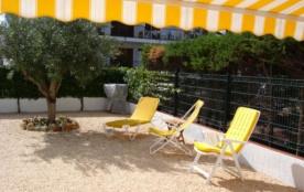 Joli appartement bien meublé et bien équipé d'une capacité pour 4 personnes, en rez de chaussée, terrasse très agréab...