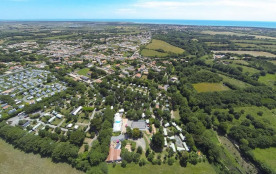Camping Le Paradis, 100 emplacements, 60 locatifs