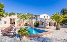 Belle villa typique à louer sur la Costa