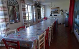 salle à manger maxi 25personnes