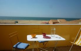Studio de 23 m² environ pour 2 personnes, située à 100 m des plages et à 1000 m des commerces, la...