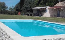 Mas en provence au coeur de la camargue aec piscine privée