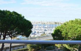 Appartement 2 pièces/cabine de 36 m² environ pour 6 personnes situé à 600 m de la plage du Môle, ...
