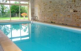 3 BEAUX GITES un voyage entre terre et mer ... piscine intérieure chauffée