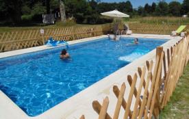Trois belles maisons en pierre avec piscine privée