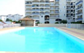 Pontaillac, dans Résidence de standing avec piscine et ascenseur, Appartement T2.