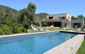 squarebreak, Superbe villa comme un loft sur la Méditerranée