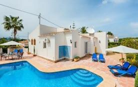 Villa AA07 - Ravissante villa pour 6 personnes située à Javea à 3,2 km de la plage.